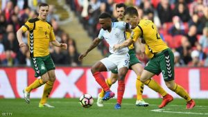 LONDON, ENGLAND - MARCH 26:  Jermaine Defoe of England holds off Linas Klimavicius of Lithuania  during the FIFA 2018 World Cup Qualifier between England and Lithuania at Wembley Stadium on March 26, 2017 in London, England.  (Photo by Laurence Griffiths/Getty Images)